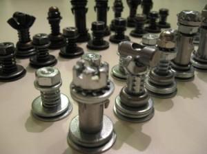 ajedrez-tornillos-tuercas